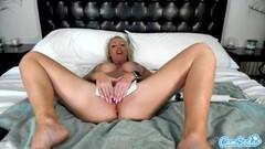 Horny Nikki Benz vibrates and shoves dildo in pussy Thumb