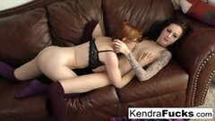 Hot Kendra and Penny finger fuck party Thumb