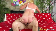 GILF Sara Skippers Rides a Younger Male Thumb