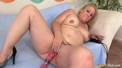 Blonde gives erotic soapy massage p.1 Thumb