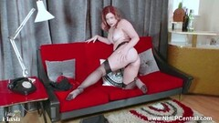Sexy babe Anna Belle peels off black lingerie Thumb