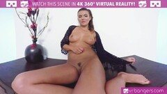 Cherry Kiss plays with her pussy Thumb