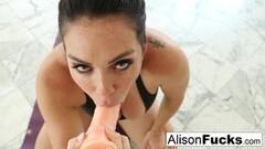 Masturbating Dutch MILF brunette HD HOT! Thumb