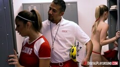 Coach sticking dick into hot muff of Mariah Thumb
