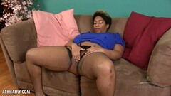 Big tits MILF works her pussy Thumb