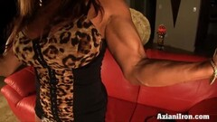 Beefy Asian model pumps her pussy Thumb