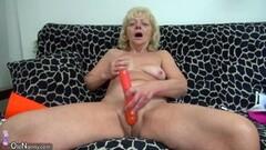 Amateur girls play with bottles - Mavenhouse Thumb