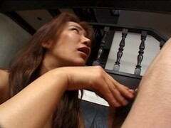 Vibrator up her hairy pussy - Pompie Thumb