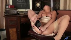 Small tits hogtied blonde squirting Thumb