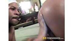 Pornstar babe gives a free handjob Thumb