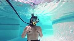 Brita Piskova masturbating herself underwater in swimming pool Thumb