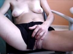 Busty mature Brit Trudi Stephens girl-girl Thumb