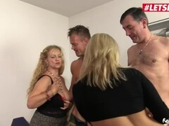 Blonde tricked by her boyfriend gets her eyes tied then fucked in Thumb