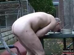 Пытки колючими каштанами, прямо в вагине Thumb