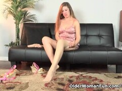 American milf Valentine fingers her hairy pussy Thumb