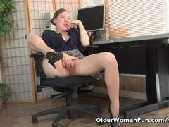 American milf Valentine can't control her hairy pussy Thumb