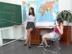 Vipissy - Pissing in the classroom with Jenifer Jane and Antonia Sainz Thumb