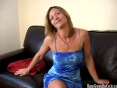Amateur blonde babe Amber is tired of small dicks Thumb