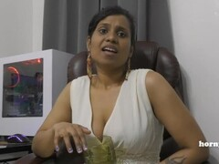 Indian Aunty Peeing Thumb