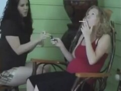 Very hot blonde preggo smoking ¡ Thumb