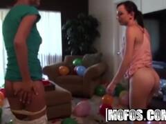 MOFOS - Hot teens Cindy Jones & Jenny Anderson love party foursomes Thumb