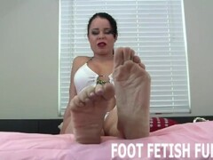 Feet Worshiping And Foot Fetish Femdom Videos Thumb