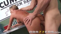 Amateur gangbang with expert milf who loves anal Thumb